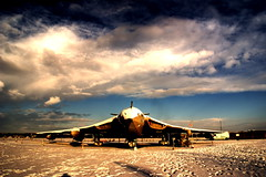 Handley Page Victor - Lusty Lindy (Chris McLoughlin) Tags: uk england snow day aircraft sony yorkshire victor tamron northyorkshire lustylady a300 elvington yorkshireairmuseum bloodycold 18mm70mm handleypagevictor sonya300 tamron70mm300mm sonyalpha300 alpha300 sonydt1870mm chrismcloughlin handleypagevictorlustylady