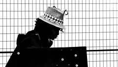 lady in silhouette (christikren) Tags: art market toronto canada silhouette lady blackandwhite hut hat exhibition ausstellung kunst schwarzweiss fair messe crafts handwerk schmuck ende kanada city town black dame frau christikren photography bw bwd street blackwhite weiss white woman