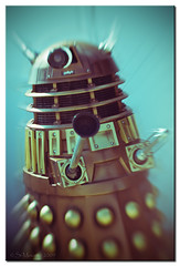 Damn Daleks! (Spiritflier) Tags: lensbaby photoshop canon eos aberystwyth bbc duotone drwho dalek 20 blast ceredigion radialblur 40d spiritflier simoore