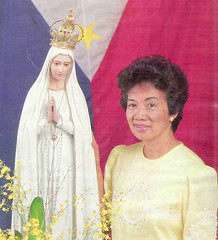 President Cory Aquino with the National Pilgrim Image of Our Lady of Fatima (National Shrine of Our Lady of Fatima) Tags: our lady president cory corazon fatima aquino edsa