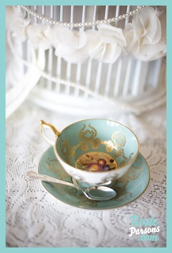 Vintage Tea Sets and Rosie Parsons by Vintage Tea Sets (aka ClaraBows).