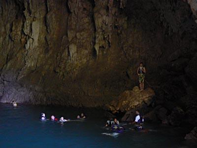 dans la grotte, tamul.jpg
