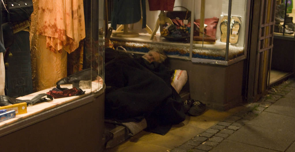 Bremen: Beggar at Night