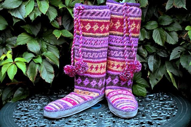 Ravelry Folksy Slipper Socks Crochet Mukluk Boots Pattern By Erssie