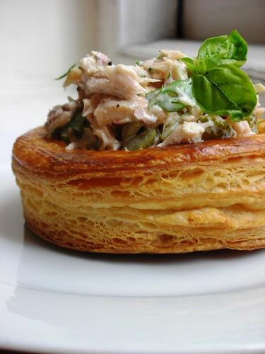 vols-au-vent (tuna salad)