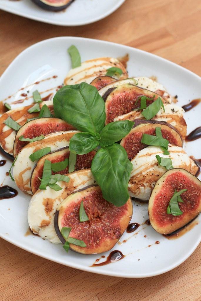 Salade de figue & mozzarella au caramel balsamique
