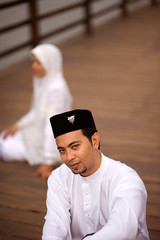 _NSY7358 (Nasey) Tags: wedding portrait people nikon bokeh hijab na malaysia nikkor dslr custom d3 malay terengganu bajumelayu songkok kualaterengganu tti mizi 85mmf14d rumaizi nasey nasirali tamantamadunislam biowash