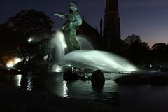 copenhague fontaine (Romain Pruvost) Tags: art water statue night canon eau fontaine nuit foutain copenague photographe copenagen photohraphy 400d eos400d