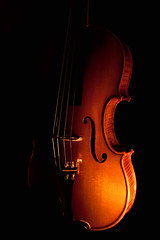 Violin in the dark (Alex Chermucsnis) Tags: music stilllife canon dark rebel flickr mood candle searchthebest violin estrellas strings fiddle candlelight vela msica luthier escuro mim xsi violino flickraward flickrestrellas quarzoespecial