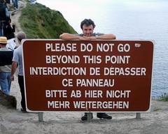 Osservanza della segnaletica (Rashbiker) Tags: ireland fuji finepix cartello moher irlanda segnale divieto s3500