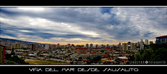 Panormica de Via del Mar desde las Alturas (TRUZNA) Tags: chile city sunset red cidade sky color verde green colors by skyline del clouds skyscraper buildings atardecer photography mar rojo edificios nuvole sonnenuntergang himmel wolken ciudad panoramic amarillo v cielo stadt nubes yelow awan  nuages grad  sausalito 2009 gebude ville jiji stad horizonte  farben citt vina ciutat viadelmar fotografa cathair panormica miasto regin  bandar   kaupunki clido oblaci  kaleidoscopio  scamaill nubens  ora grosstadt struzyna ko pilvikerros
