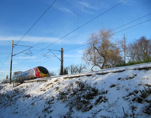 Virgin Pendolino train snow cropped slightly 4184