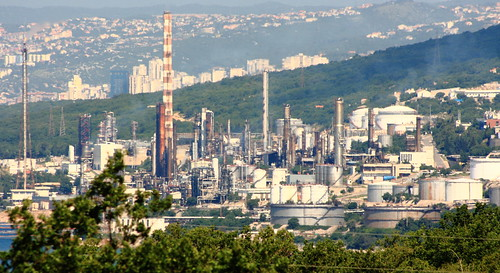 INA oil refinery