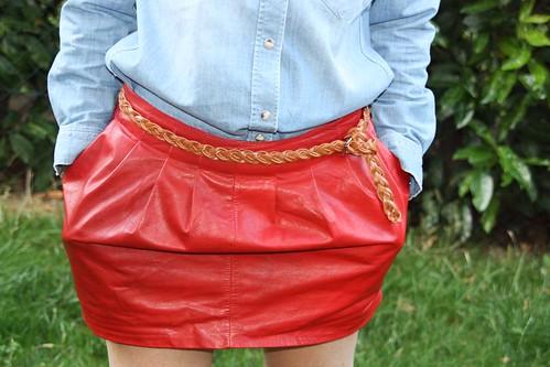 jupe en cuir rouge