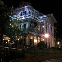 Haunted Mansion at Night (StartedByAMouse) Tags: night disneyland disney hauntedmansion neworleanssquare interestingness30 i500 sbam 5stardisneyaward