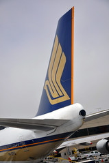 Singapore at LAX (sfPhotocraft) Tags: plane singapore tail jet airline boeing lax sq boeing747 9vspq