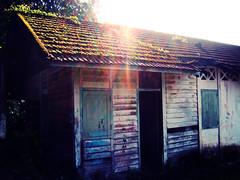 Sun Is Shinning (JourneyToNoWhere) Tags: morning home lyrics october song weekend malaysia abandonedhouse photowalk shelter 2008 bobmarley selangor sunflare gardencity sungaibuloh fujifinepixz1 dscf3818 october2008 bukitlagong 20081019photowalkatthesungaibulohleperssettlement leperssettlement