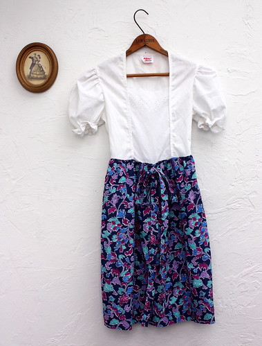 1960s Eyelet and Floral Dress Size XS-S