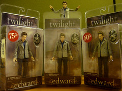 Operation Free-A-Pocket In Effect...Chuuch. (Pocket Edward) Tags: toy actionfigure eclipse discount twilight sale edward pocket newmoon borders midnightsun cullen brutha mindreading bruthas breakingdawn edwardcullen pocketedward mingreading freeapocket freeabrutha