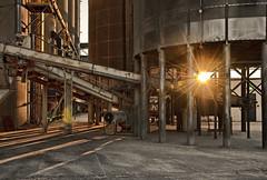 [フリー画像] [人工風景] [建造物/建築物] [工場の風景] [朝日/朝焼け] [アメリカ風景]      [フリー素材]