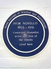 Ivor Novello blue plaque (sleepymyf) Tags: uk england history blueplaque berkshire ivornovello littlewickgreen royalboroughofwindsorandmaidenhead seenonflickr redroofstheatreschool openplaques:id=1813
