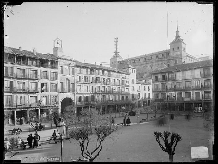Zocodover hacia 1895. Foto Casiano Alguacil