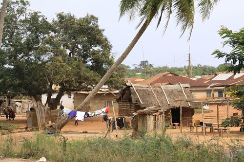 Settlement along the coastal road towards Cape Coast.