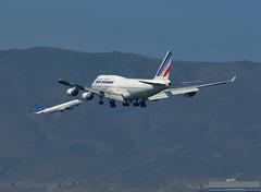 SRM570908099189 (photoman576097) Tags: traffic aircraft landing jetblue boeing arrival approach heavy jumbojet jetplane airfrance airtraffic jetliner b747428 sn25628