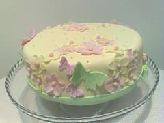 bolo flores e borboletas (Isabel Casimiro) Tags: cake christening playstation bolos bolosartisticos bolosdecorados bolopirataecupcakes bolopirata bolosdeaniversárocakedesign bolosparamenina bolosparamenino