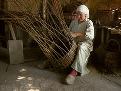 How to make a basket (smiling_da_vinci) Tags: woman archaeology thenetherlands medieval archeon making themepark handycraft basking zuidholland alphenadrijn
