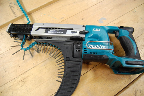 Makita Auto-feed Screwdriver