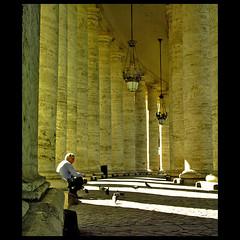 Entre el Vaticano (m@®©ãǿ►ðȅtǭǹȁðǿr◄©) Tags: italy canon italia vaticano canoneos500n cittàdeivaticano canon28÷80mmf3556 m®©ãǿ►ðȅtǭǹȁðǿr◄© marcovianna entreelvaticano