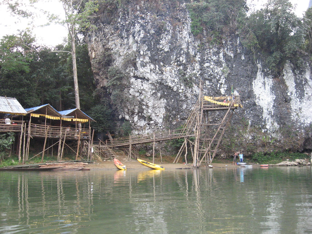 Nam Song riverside bar, Vang Vieng