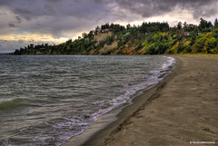 Thunder Cove (TIA International Photography) Tags: beach nature forest tia landscape bay high dynamic natural cloudy cove hill peaceful overcast calm ridge fortworden porttownsend pacificnorthwest inlet pugetsound serene washingtonstate range hdr highdynamicrange soothing jeffersoncounty admiraltyinlet sonyalpha tosinarasi tiascapes tiainternationalphotography