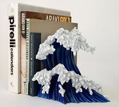 Uprisings bookend (kozyndan) Tags: sculpture rabbit bunny bunnies art statue giant toy japanese robot surf waves vinyl wave books figure rabbits hokusai kozyndan uprisings munkyking bookend resign bunnywave