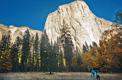 Admirers (Motographer) Tags: california park autumn usa fall colors landscape nationalpark sigma wideangle yosemite 1020mm motographer fotografikartz motograffer