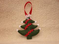 Arvore (Lucy Gifts) Tags: christmas verde natal handmade artesanato craft felt vermelho feltro arvoredenatal pingente fieltro feitoamo