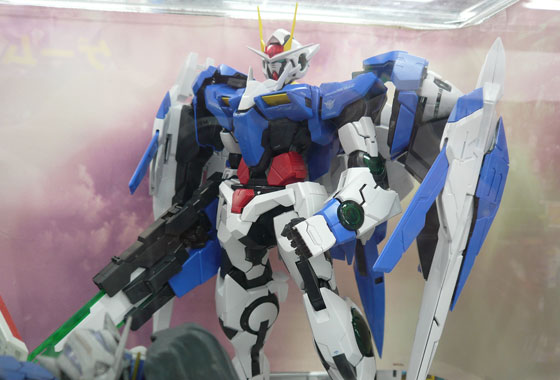Spotted in the wild: PG Gundam 00, what a beast