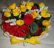 all'uncinetto con fiocchi gialli inamidato con zucchero (uncinetto_patrizia) Tags: e di fiori con composizione zucchero cestino alluncinetto inamidato