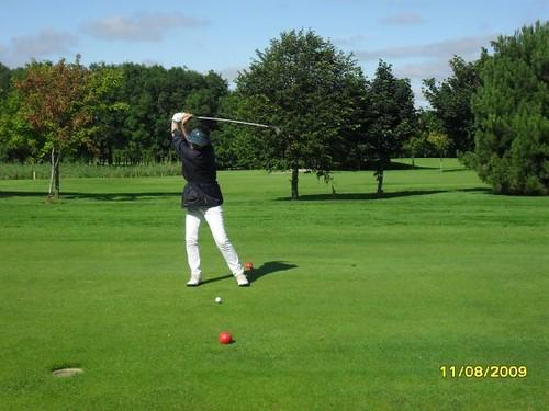 mela_golf