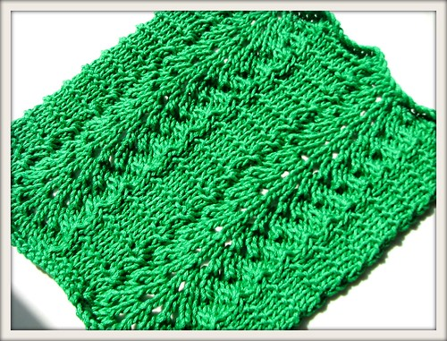 Lace Dishcloth Knitting Pattern : Wavy Lace Dishcloth Free Knitting Pattern from the Lace cloths Free Knitting ...
