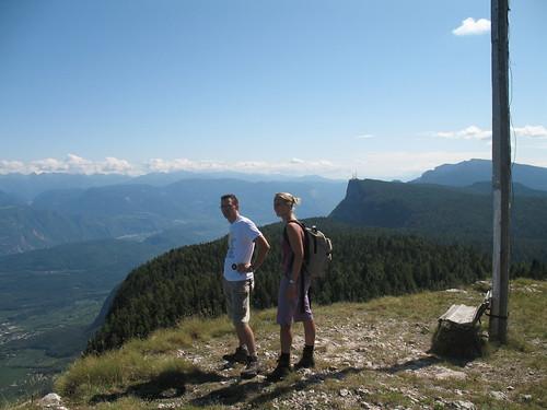 Blick vom Bergner Kreuz ins Überetsch und Unterland und die Dolomiten