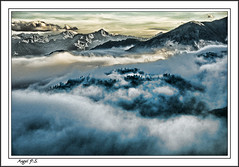 En las nubes (anpisa) Tags: nikon aran d300 valdaran barrados ltytr1 anpisa