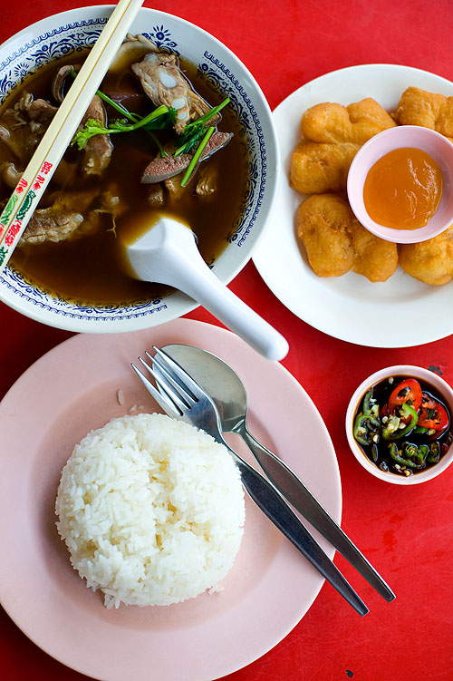Bak kut te at Koh Tee Ochaa, a Chinese restaurant in Hat Yai