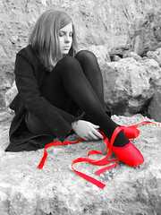 Ballerina Shoes (Kara Allyson) Tags: pictures red blackandwhite blanco senior girl dance shoes rocks dancing negro quarry dancingshoes roja finks teengirl ballerinashoes megangilfilian