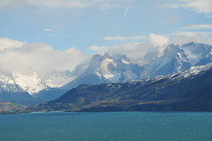Torres del Paine (teocaramel) Tags: chile clouds montagne chili cloudy lac torresdelpaine nuages paysage toro mywinner impressedbeauty lagotoro