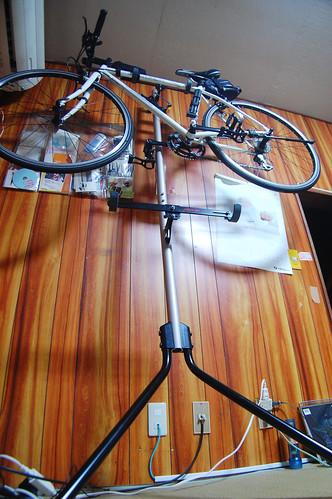 Minoura_GravityStand_bycyclestand.jpg