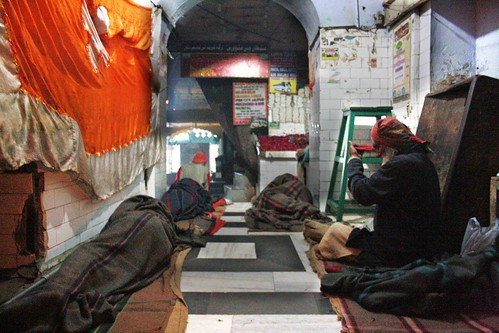 Capital Experience – Dawn at Hazrat Nizamuddin Dargah