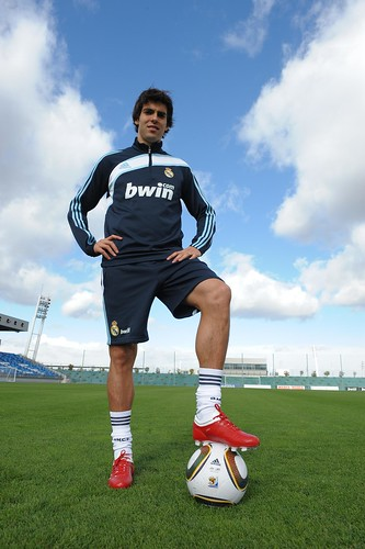 Kaka with Jabulani (2010 World Cup football)