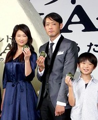 出席した(左から)夏川結衣、筒井道隆、武井証